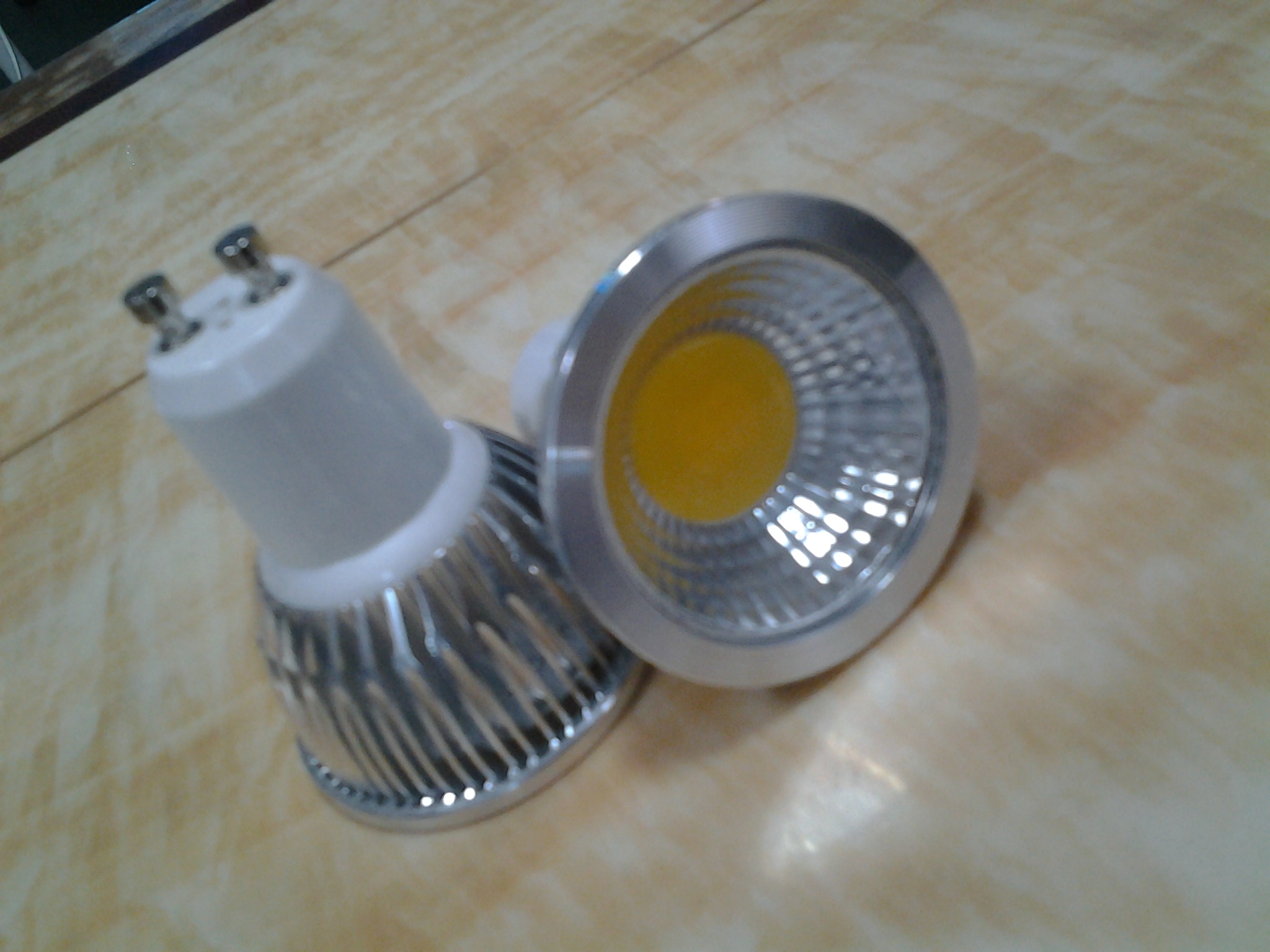 COB LED GU10 SPOTLIGHT